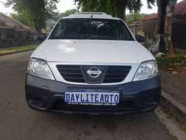 2014 Nissan Np200 1.6i A/C and Canopy