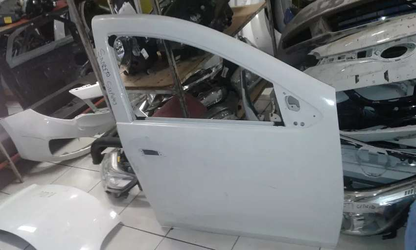 Renault Sandero stepway Right Front Door 0