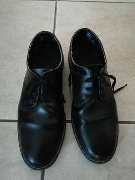 School shoes (adult size 9) for Sale