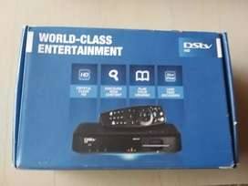 DSTV decoder for sale  R400,sechand  comes with box changer