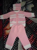 Кофта и штанишки, костюм для девочки вязаный