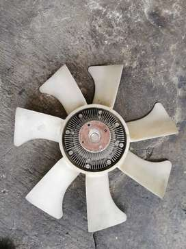 Nissan hardbody np300 yd25 viscus with fan blade complete