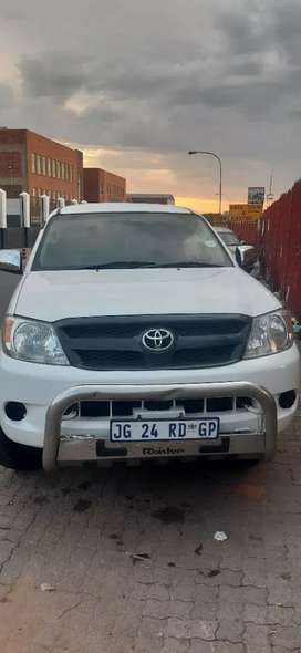 Toyota hilux 4x4 with diff luck