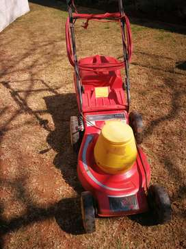 Wolf Ambition 2400 electric lawnmower
