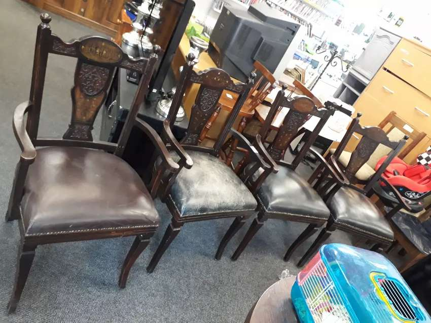 2 pairs of antique chairs 0