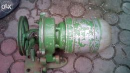 Электродвигатель с приводом для промышленной швейной машины