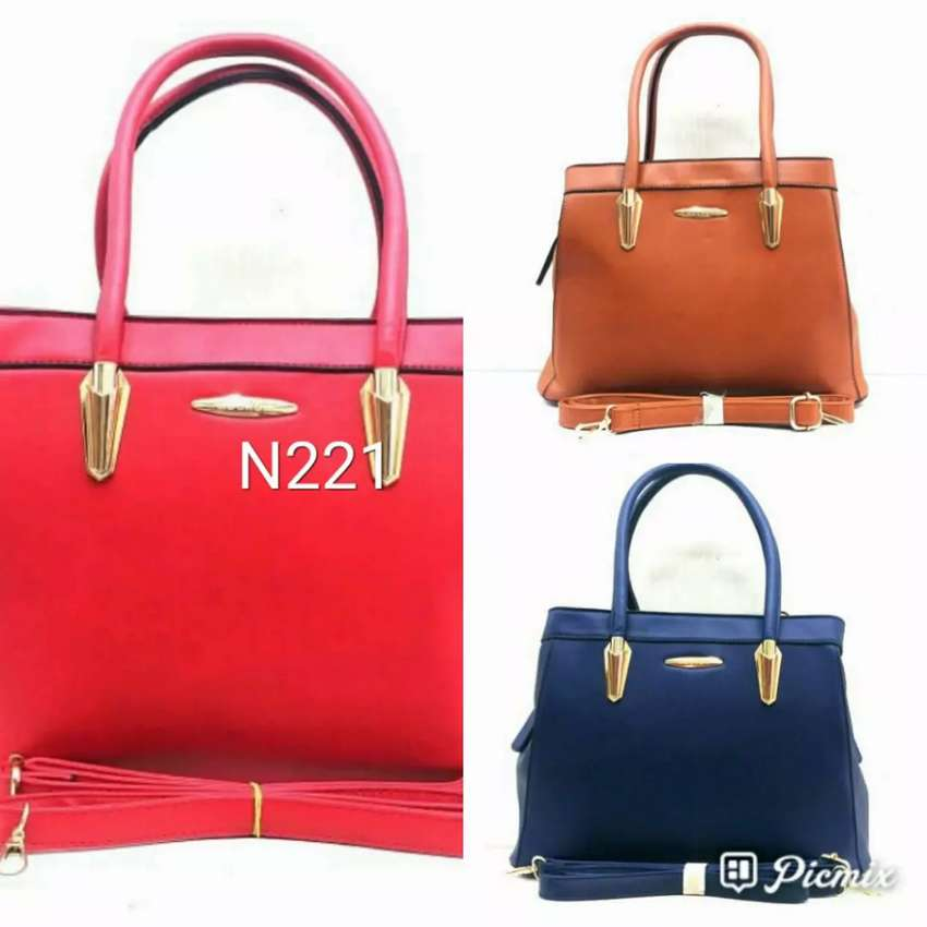 Handbags and accessories 0