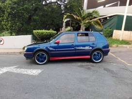 Vw GOLF FOR SALE URGENT