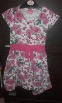 Sukieneczka w róże rozm.3-4 lata