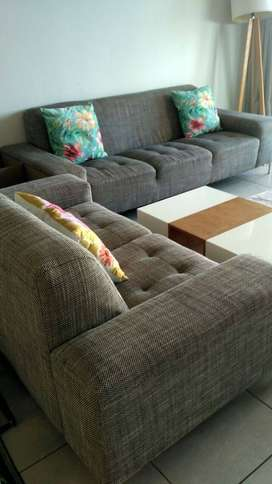5 Seater couch  (@home Livingspace)