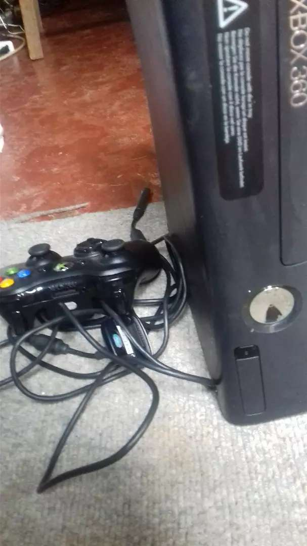Xbox 360 wireless pad USB cable 250gb hdd 0