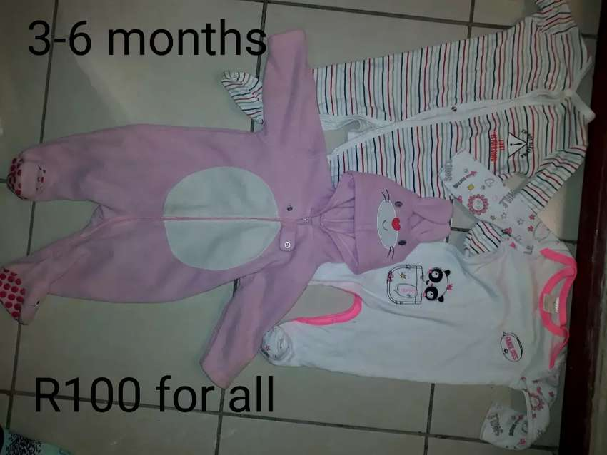 Baby girls clothes (3-6 months) 0