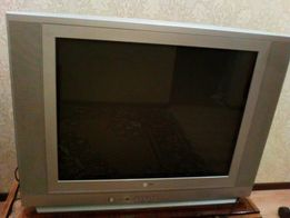 Продам телевизор LG RT-29FD15VX