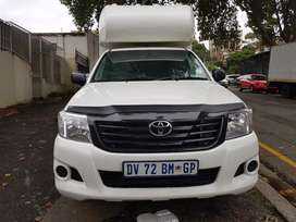 2015 Toyota Hilux 2.7 vvti with Canopy