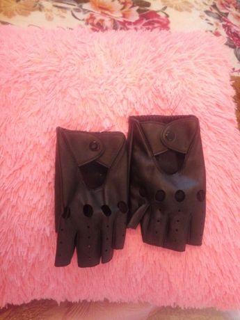 Продам рукавичкі нові