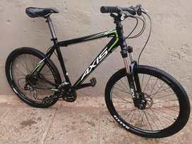 Axis A70 26er, Large Frame, Shimano 27spd, Hydraulic Brakes