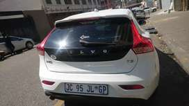 Volvo v40 t3 at low price good