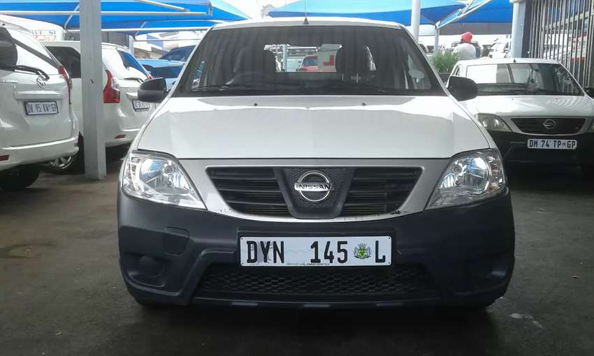 NISSAN NP200 1 6 WITH CANOPY 0