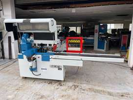 Guilliet 4 head moulder