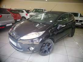 2012 Ford Fiesta 2DR in great condition