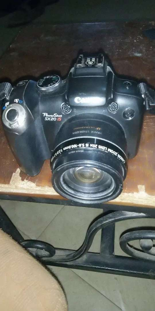 Clean Canon camera 0