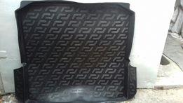 Продам пластиковые коврики в багажник б.у. от разных машин