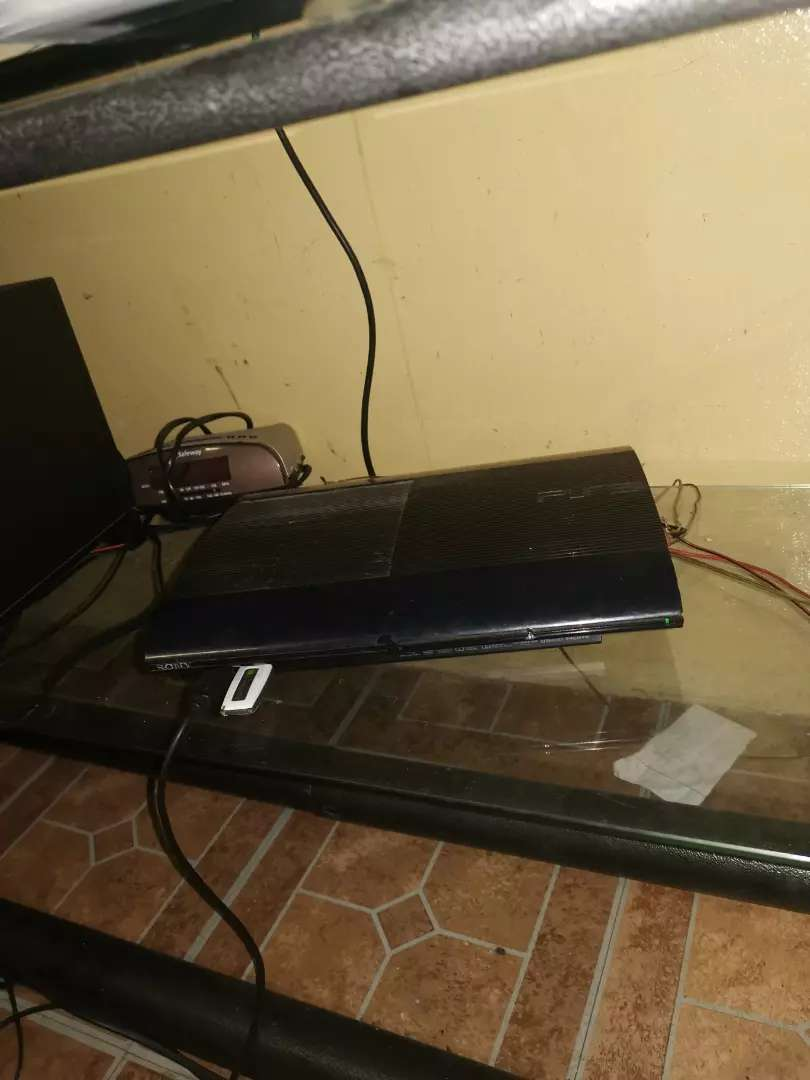 Ps3 console  Samsung 32 inch Tv 0