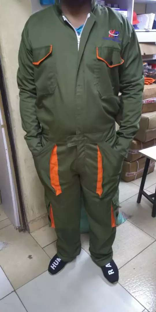 Cargo pant with reflector 0