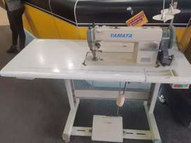 Yamata industrial sewing machine. Model DOL 12H