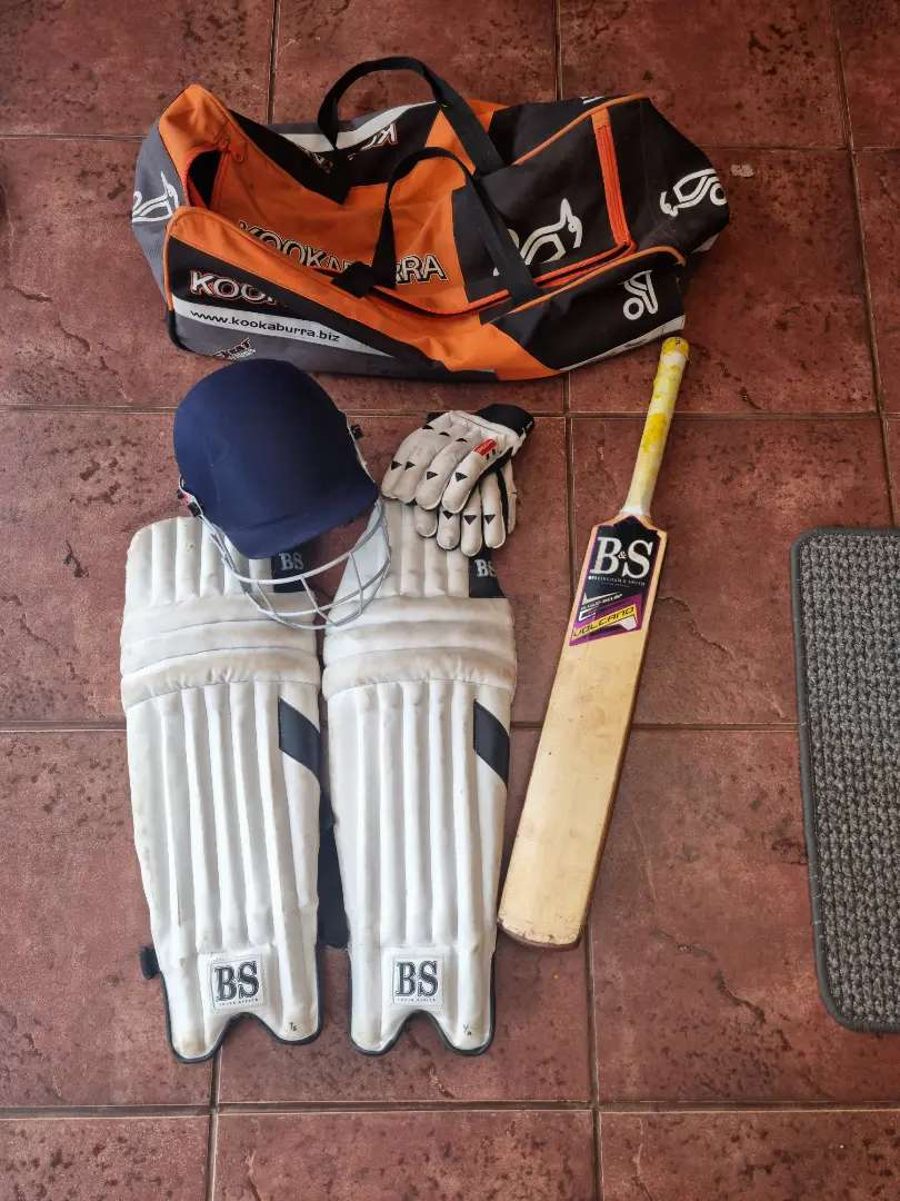 Full Cricket set for primary/ high school