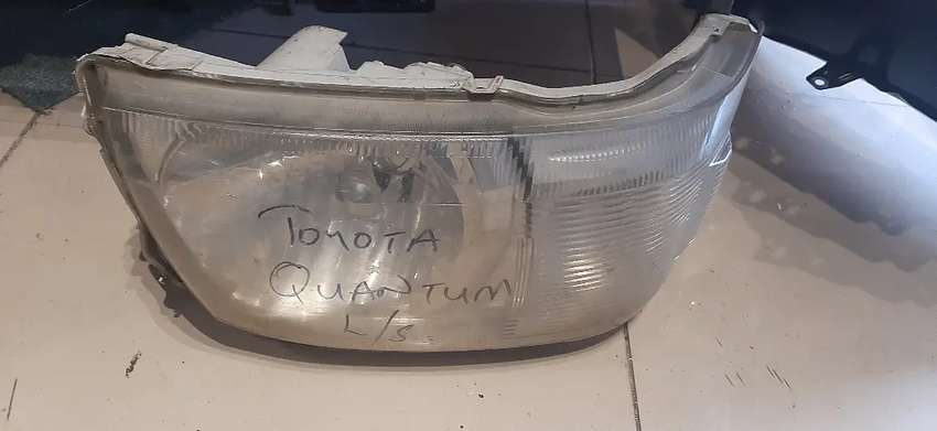 Toyota Quantum left headlight for sale