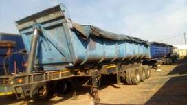 2007 F & R Phakisa End Tipper Trailer