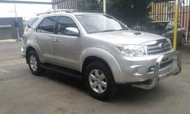 2010 toyota fortuner 3.0d4d Automatic leather interior