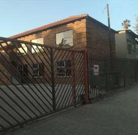 Room available in Ladanna (available from 1st of August) R2000.p/m
