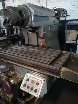 Roku Universal Milling Machine for sale