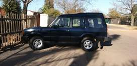 Land Rover Discovery 2 Door 1998 with 300 tdi 2.5L 4 cyl Manual