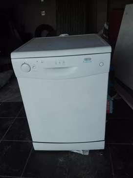 Am selling a dish washer working