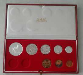 1982 S.A short proof set with silver R1