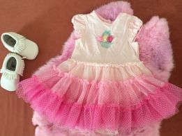 Платье для девочки яркое и красивое