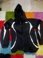 женская лыжная куртка The North Face