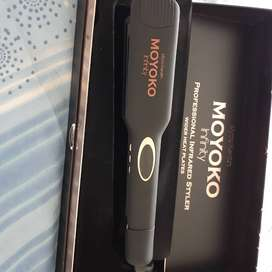 Moyoko wide plates hair straightener