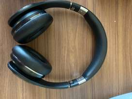 Samsung Level On Wireless Noise Cancelling Headphones