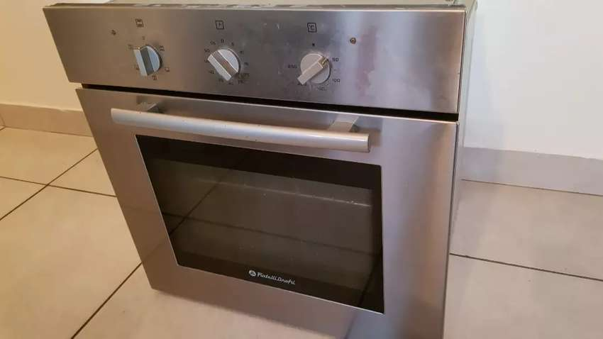 Under counter oven w MultiFuntion, needs love 0
