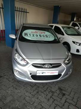 2013 Hyundai Accent 1.6i great fuel economy, full service history