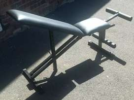 Decline incline bench with leg lift