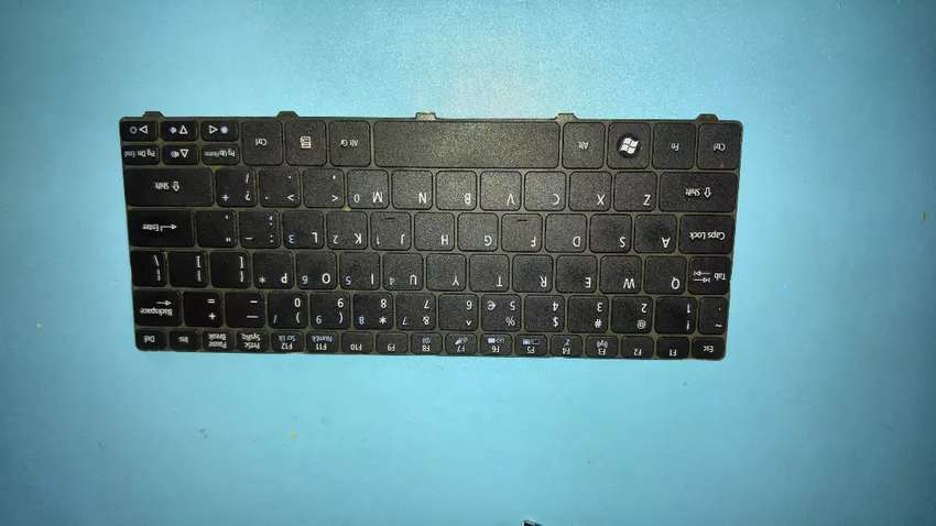 Acer aspire 1 D255E keyboard mini laptop 0