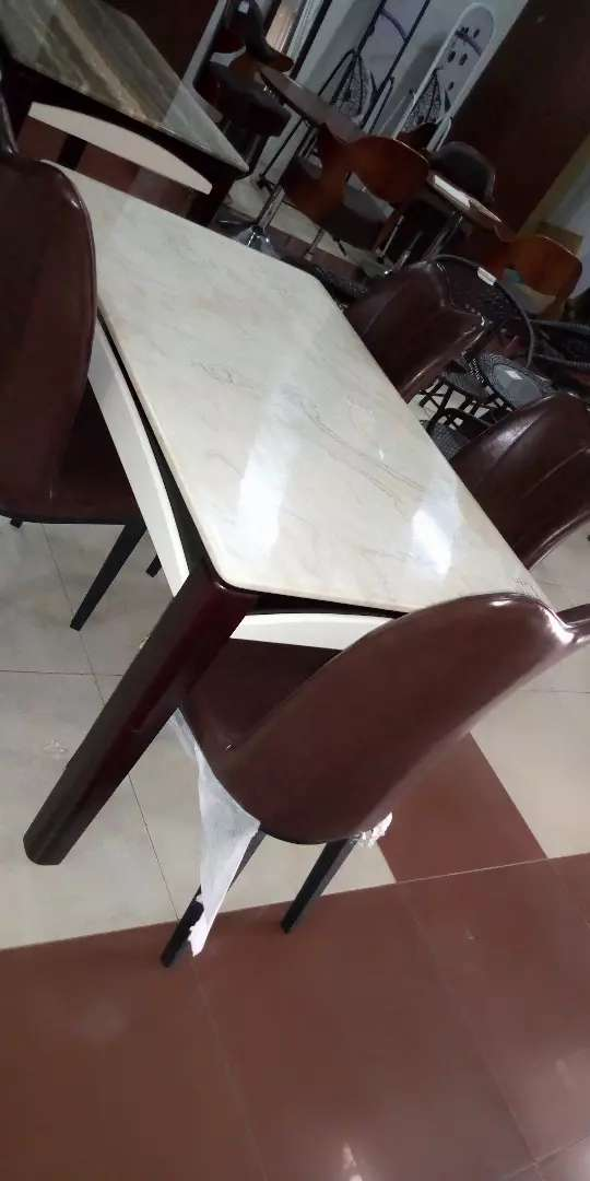 Marble dinner table 4seater 0