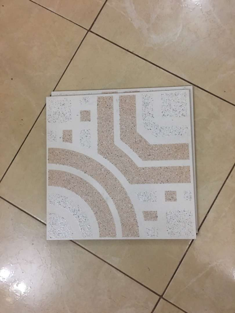 Tiles 3 boxes at 200k 39 pieces 0