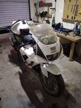 Looking for fzr parts