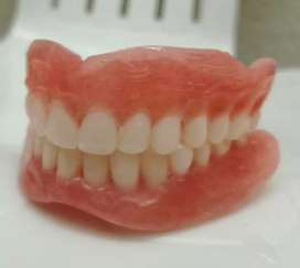Let's make you smile again. Come for your gold and false teeth
